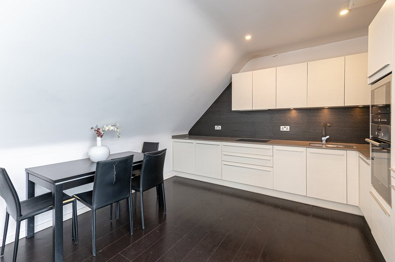 1 bedroom(s) apartment to sale in Gore House, Drummond Way, Islington, London-image 7