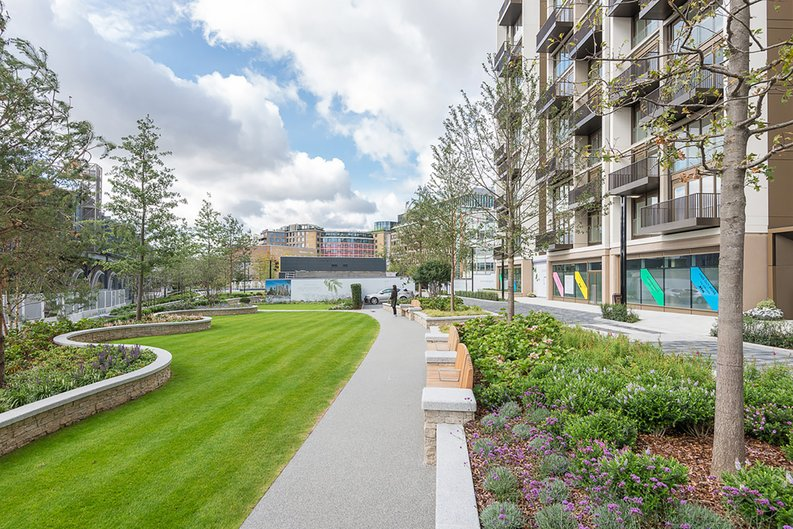 2 bedroom(s) apartment to sale in Fountain Park Way, White City, London-image 22