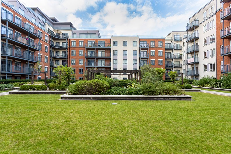 Studio apartment to sale in East Drive, Colindale, London-image 15