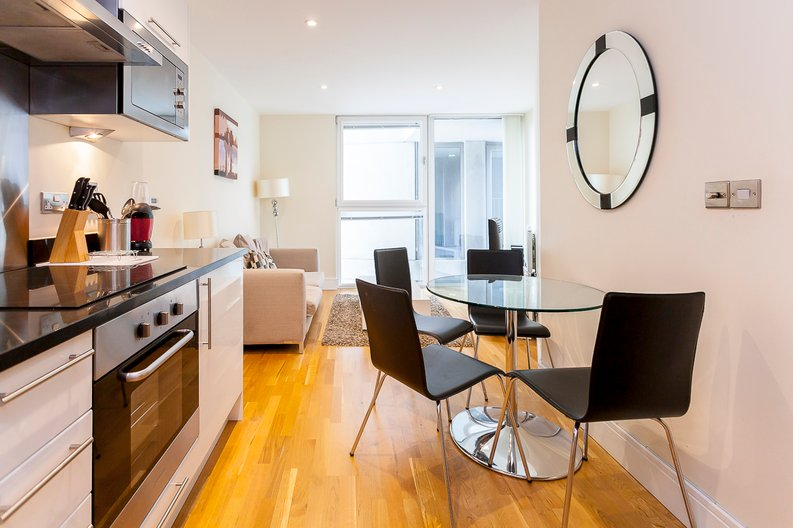 1 bedroom(s) apartment to sale in Cobalt Point, Lanterns Court, Millharbour, Canary Wharf, London-image 1