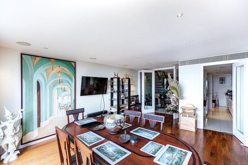 3 bedroom(s) apartment to sale in Cromwell Road, South Kensington, London-image 23