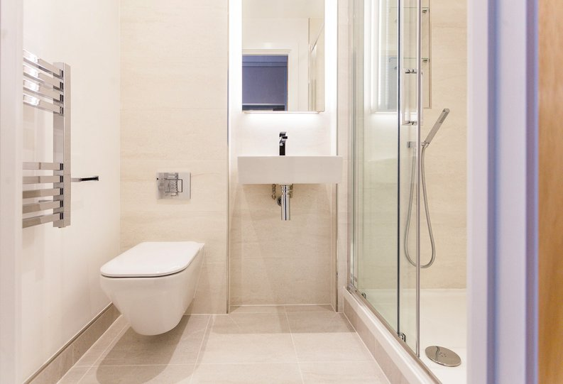 2 bedroom(s) apartment to sale in Lismore Boulevard, London-image 8