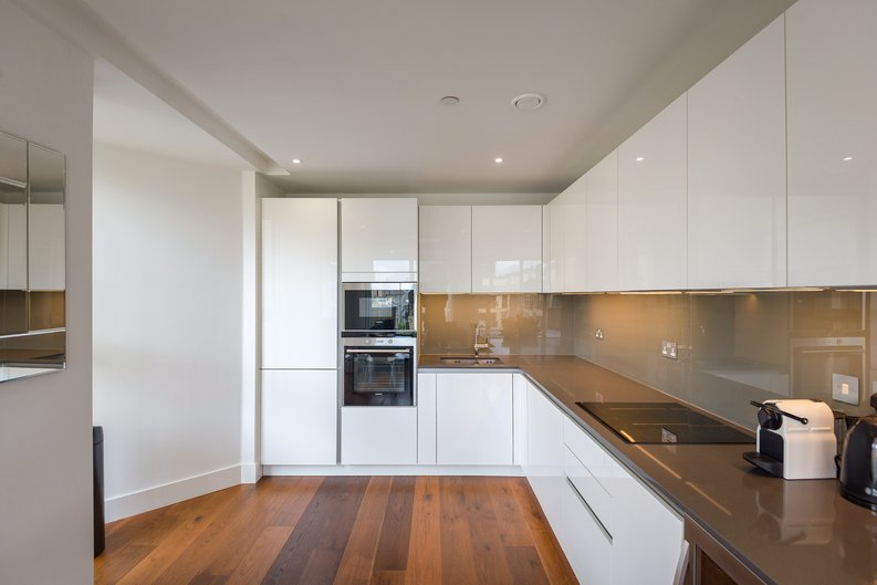 2 bedroom(s) apartment to sale in Westbourne Apartments , Central Avenue, Fulham Riverside, London-image 10