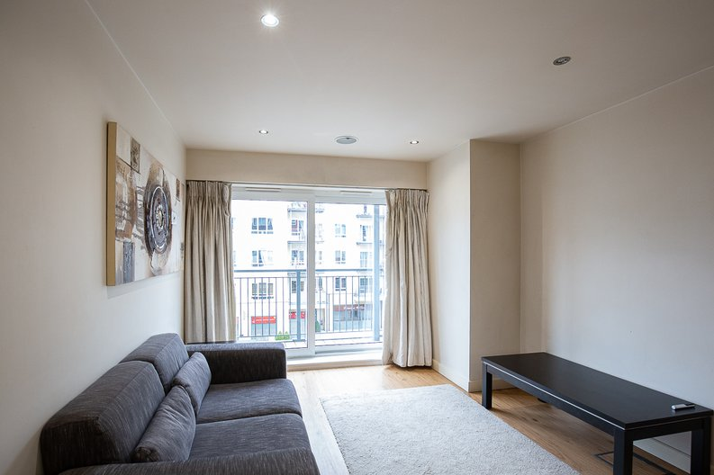 1 bedroom(s) apartment to sale in 27 Heritage Avenue, London-image 5