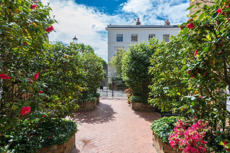 3 bedroom(s) apartment to sale in Bullingham Mansions, Pitt Street, Kensington-image 13