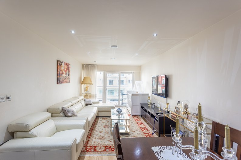 2 bedroom(s) apartment to sale in Boulevard Drive, Colindale, London-image 14