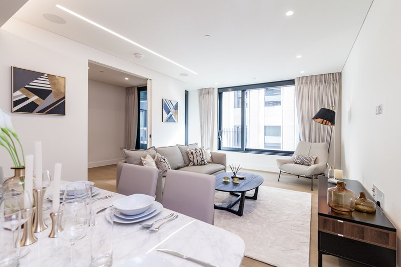 3 bedroom(s) apartment to sale in Rathbone Place, Fitzrovia-image 3