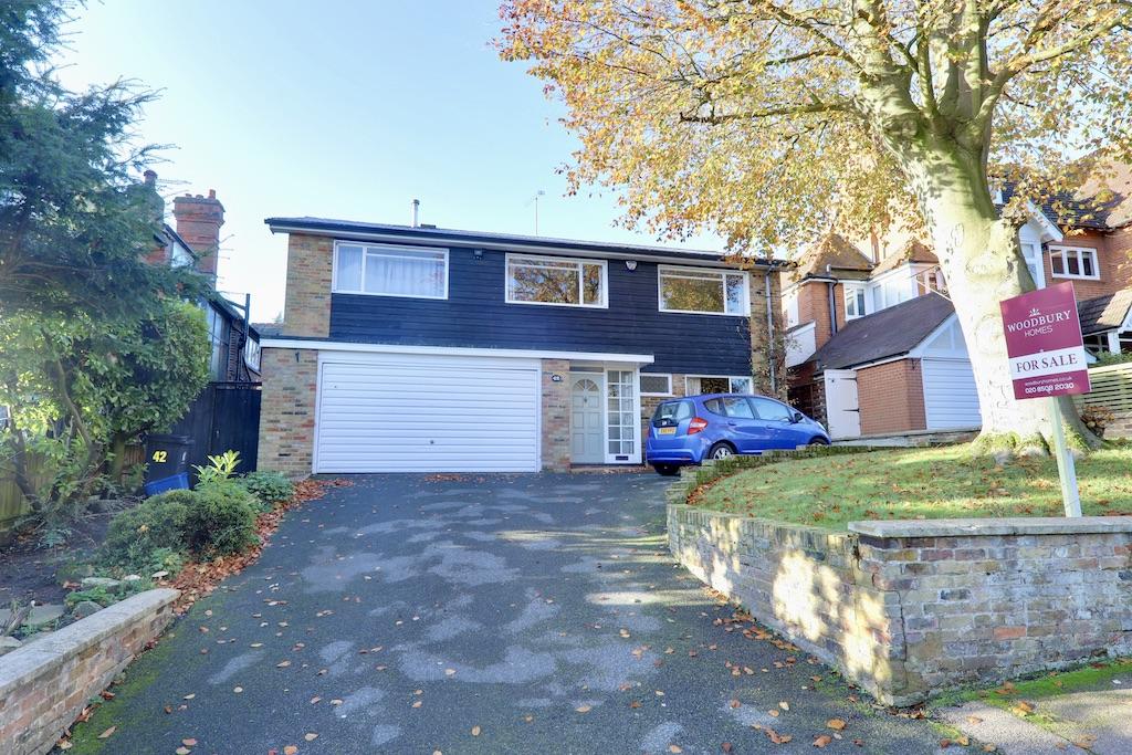 Ollards Grove, Loughton, Essex