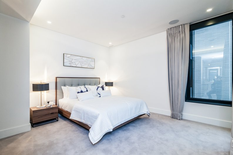 3 bedroom(s) apartment to sale in Rathbone Place, Fitzrovia-image 10