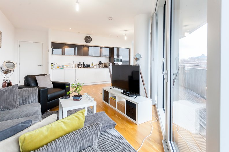 2 bedroom(s) apartment to sale in Edmunds House, Colonial Drive, London-image 13