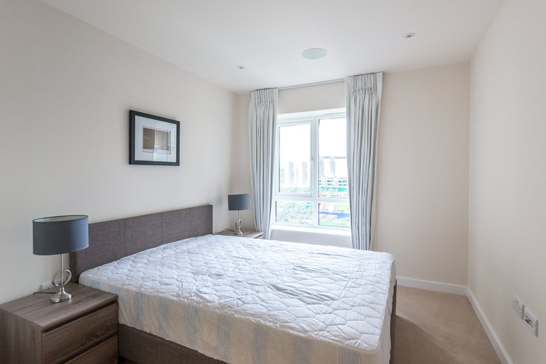 2 bedroom(s) apartment to sale in Constantine House, Boulevard Drive, Beaufort Park, Colindale-image 4