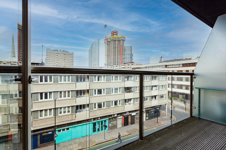 1 bedroom(s) apartment to sale in Worcester Point, Central Street, Clerkenwell, London-image 5