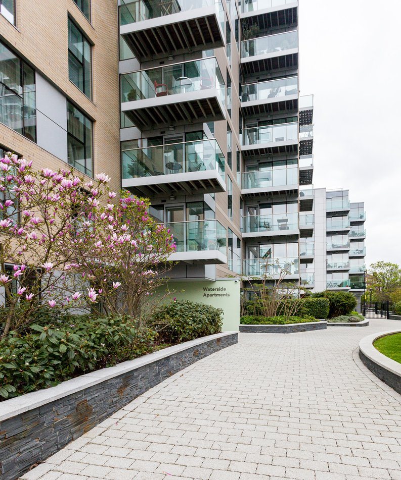 2 bedroom(s) apartment to sale in Waterside Apartments, Woodberry Down, Manor House-image 8