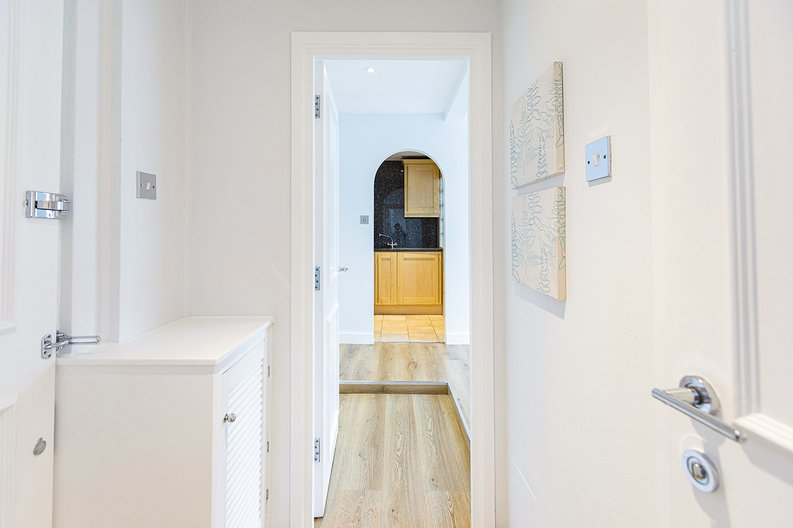 1 bedroom(s) apartment to sale in Chelsea Cloisters, Sloane Avenue, Chelsea-image 13