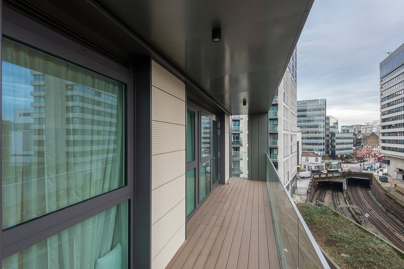 2 bedroom(s) apartment to sale in Glenthorne Road, Hammersmith, London-image 10
