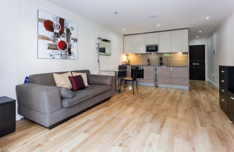 Studio apartment to sale in Boulevard Drive, Colindale, London-image 1