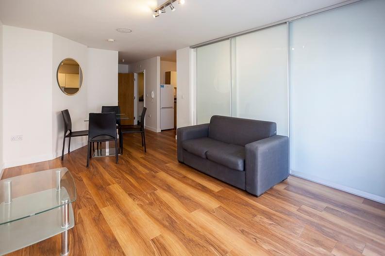 Studio apartment to sale in Ascent House, 12 Boulevard Drive, Beaufort Park , London-image 15