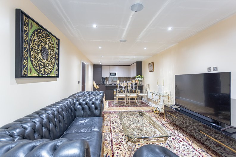 2 bedroom(s) apartment to sale in Boulevard Drive, London-image 11