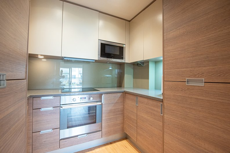 1 bedroom(s) apartment to sale in Heritage Avenue, London-image 2