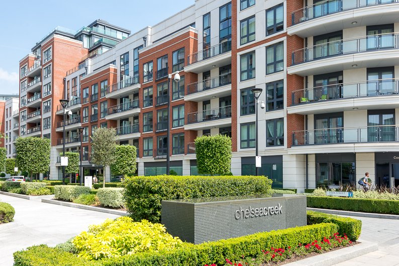 2 bedroom(s) apartment to sale in Doulton House, Park Street, Chelsea Creek, Fulham-image 11