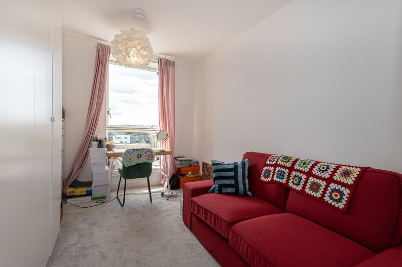 2 bedroom(s) apartment to sale in Eastern Point, Edgware Road, London-image 7