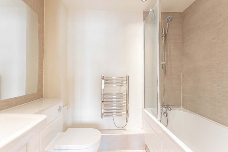 Studio apartment to sale in East Drive, Colindale, London-image 7