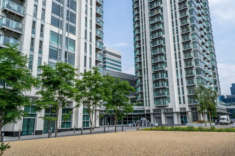 2 bedroom(s) apartment to sale in West Tower, Pan Peninsula Square, Canary Wharf-image 12