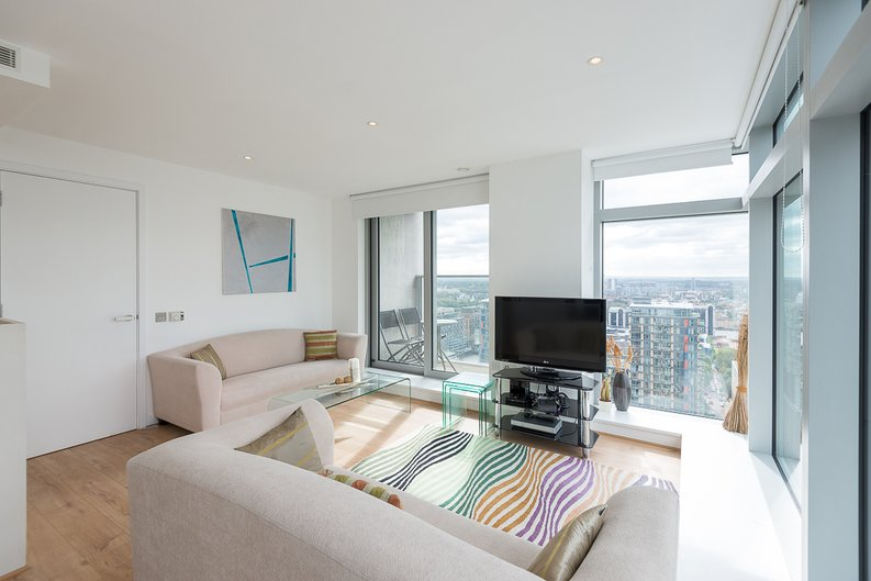 2 bedroom(s) apartment to sale in West Tower, Pan Peninsula Square, Canary Wharf-image 2