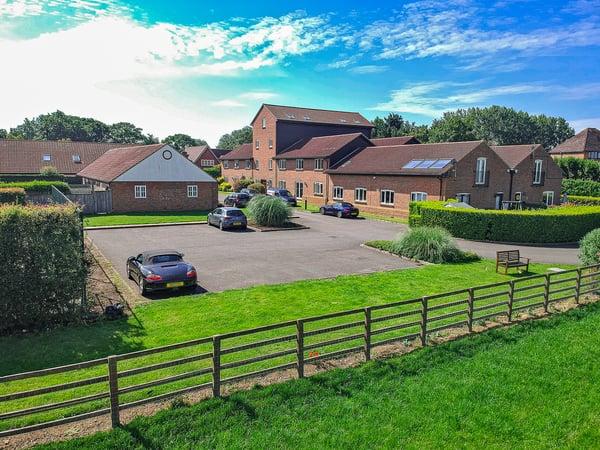 Warren Road, Milton Keynes, Buckinghamshire Image