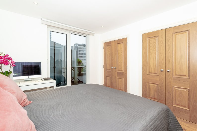 2 bedroom(s) apartment to sale in Harbour Reach, Imperial Wharf, London-image 3