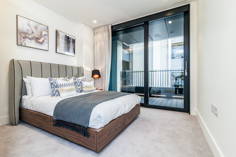 3 bedroom(s) apartment to sale in Rathbone Place, Fitzrovia-image 1