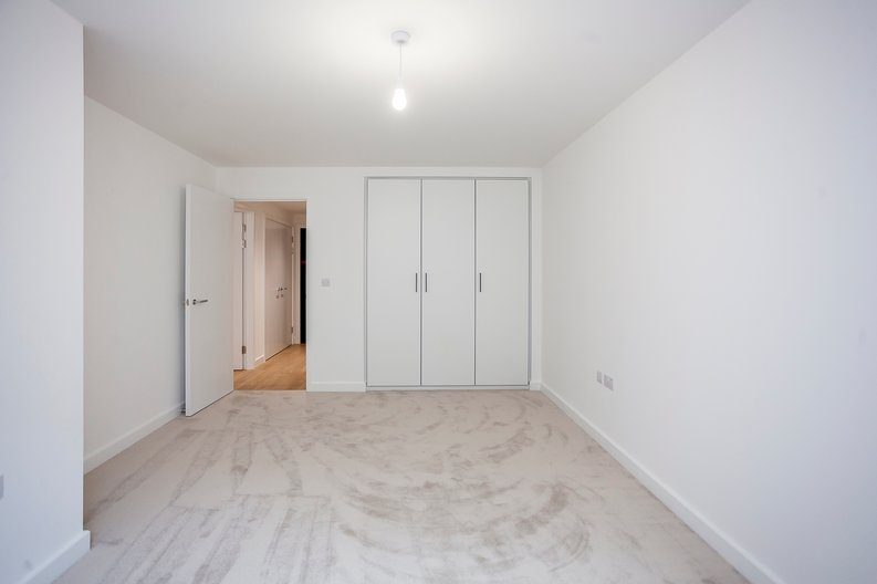 1 bedroom(s) apartment to sale in Fairbank House, Beaufort Square, Beaufort Park, Colindale-image 4