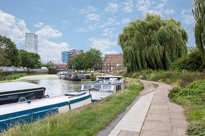 2 bedroom(s) apartment to sale in Gillender Street, Bow Creek-image 2