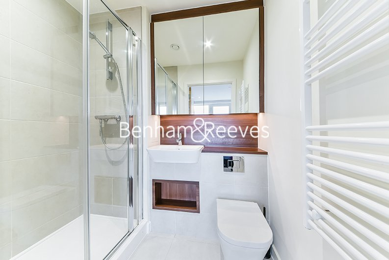 2 bedroom(s) apartment to sale in Moorhen Drive, Hendon, London-image 8